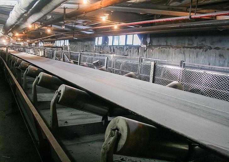 Roller Conveyor Besi Untuk Suhu Panas
